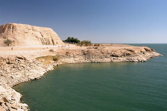 Nasser See Programm Abu Simbel, Nefertari Temple, Lake_Nasser, Egyptl by  steib-pur-reisen