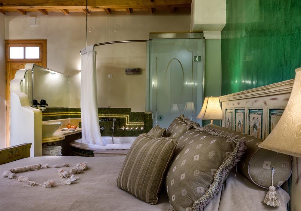Steib-Pur-Reisen Hotel Avli-green-suite